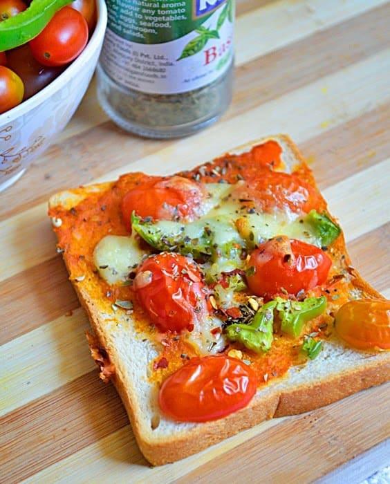 Bread pizza recipe, how to make bread pizza