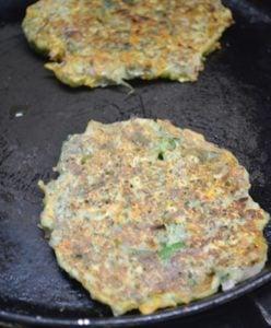 making moong dal chilla