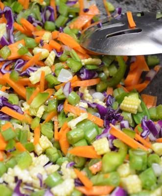 Restuarant style vegetable fried rice step2