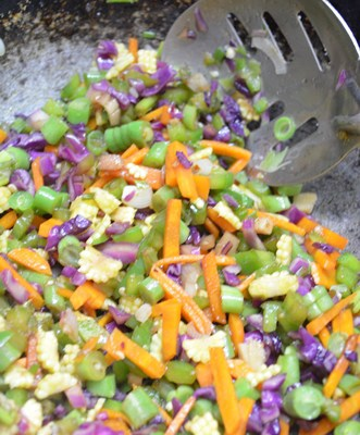 Restuarant style vegetable fried rice step3
