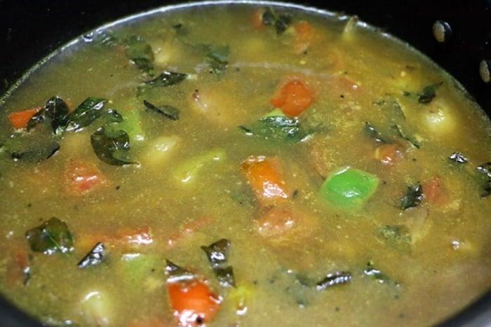 making tiffin sambar