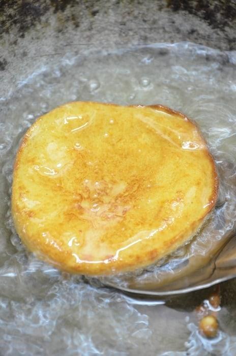 frying malpua