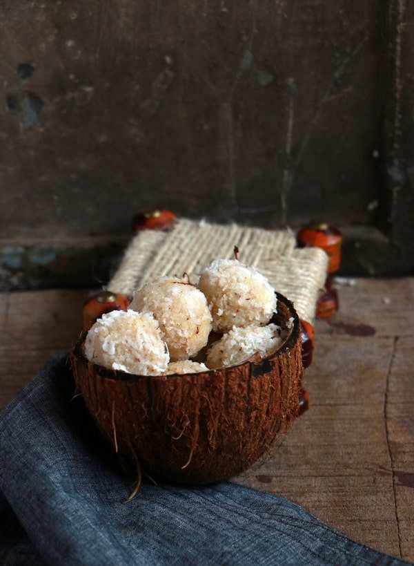 coconut ladoo served in coconut shell