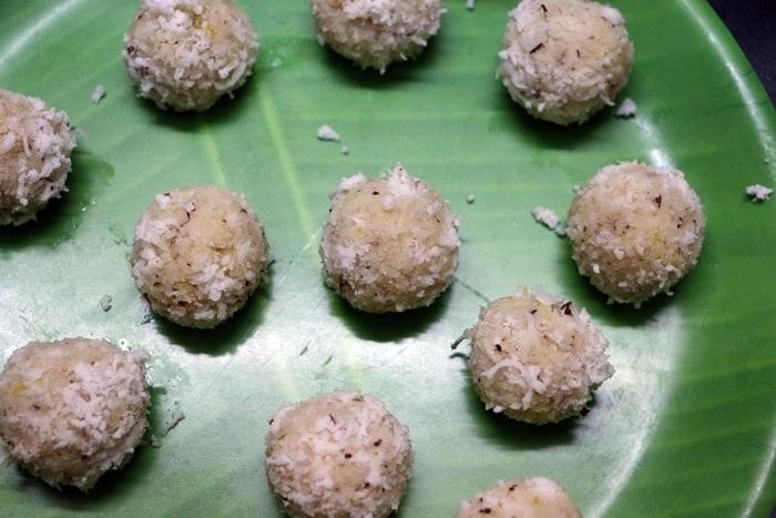 coconut ladoo step4