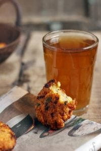 masala vada served with tea
