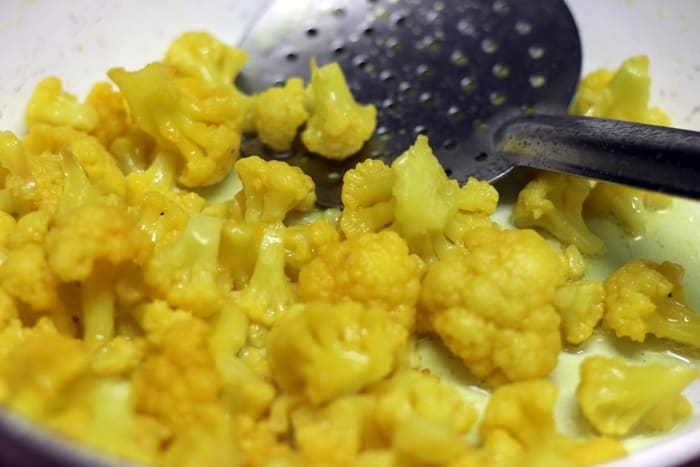 sautéing cauliflower in oil