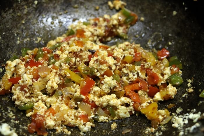 scrambled paneer for making paneer sandwich