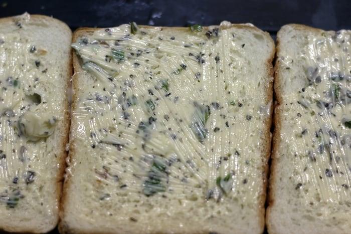 preparing garlic toast recipe