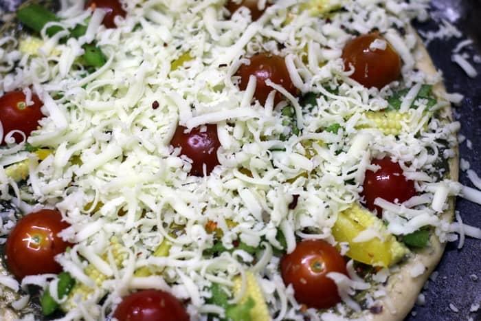 basil pesto pizza step 5