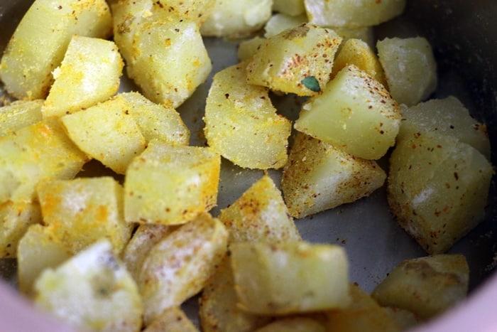 garlic potato fry step 3