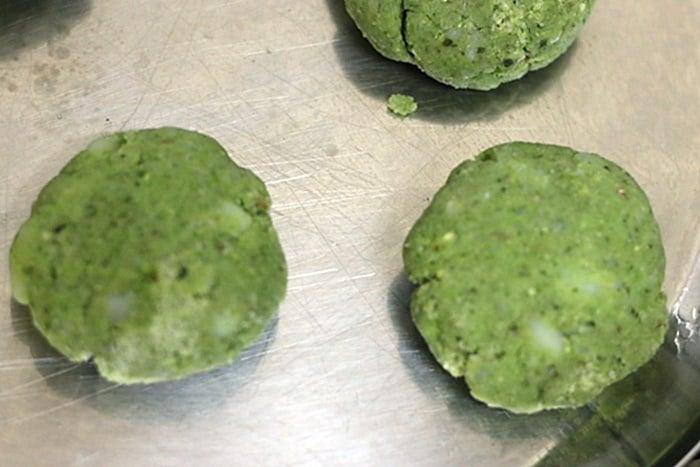 shaping potato spinach mixture into hara bhara kababs
