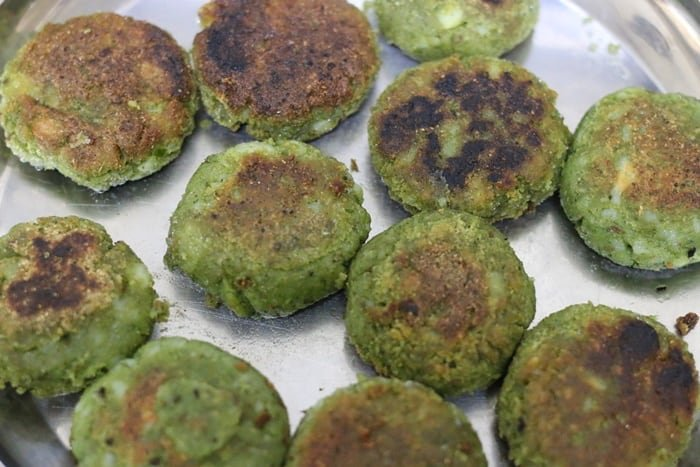 pan fried spinach kabab