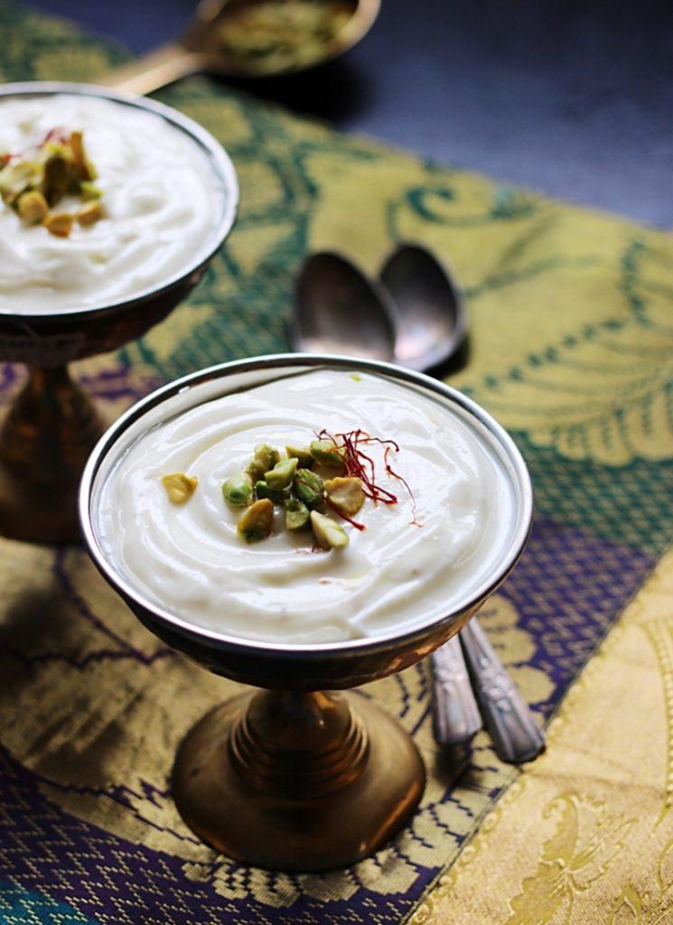 kesar pista shrikhand in a dessert bowl.