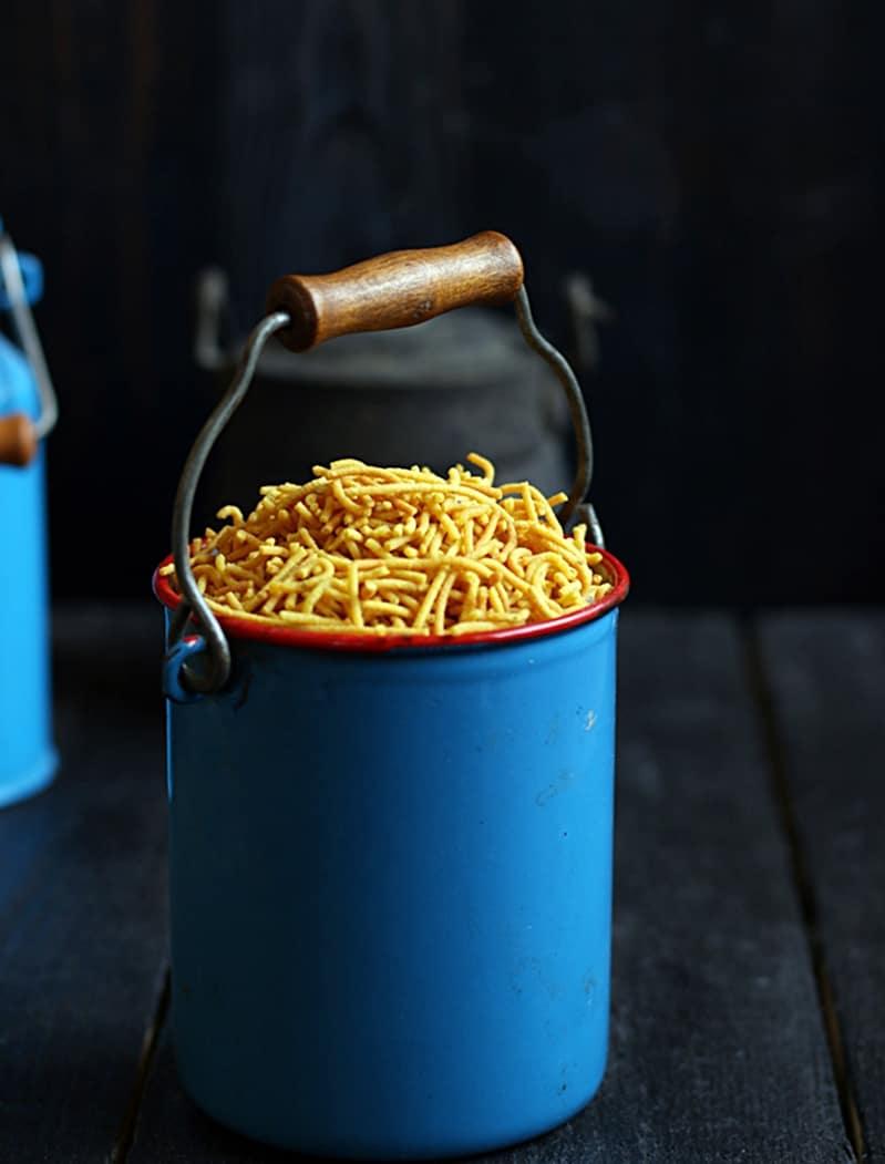 Crispy aloo bhujia served for snacks