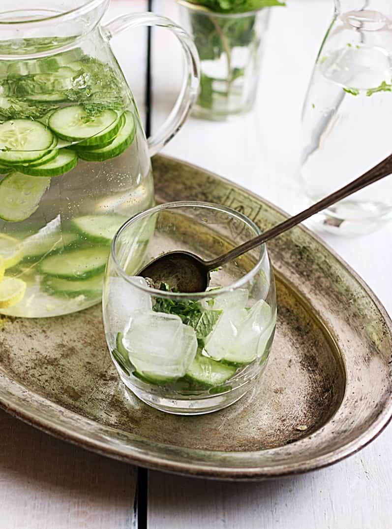 cucumebr-detox-water-recipe-f