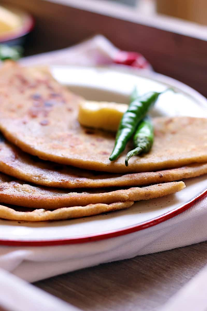 aloo-paneer-paratha-recipe-d