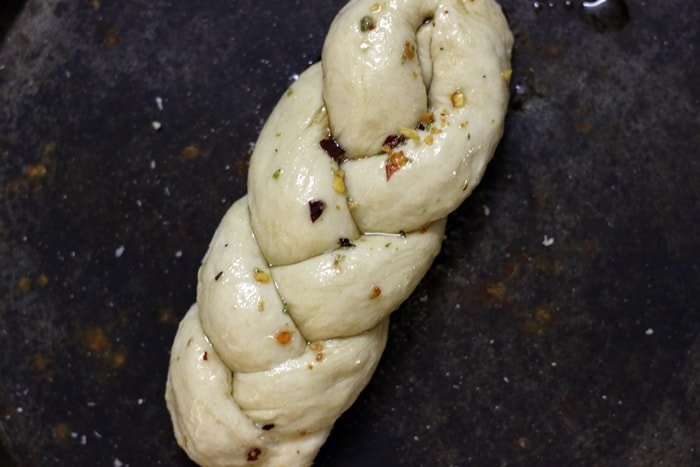 braided-garlic-bread-step-6