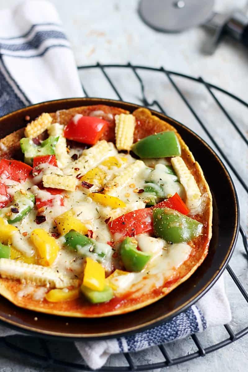 besan chilla pizza recipe