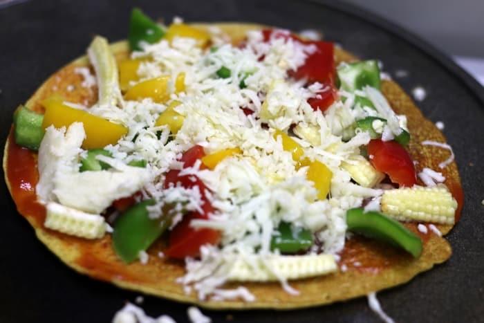 besan-chilla-pizza-recipe-step-3