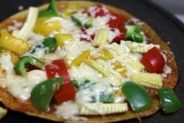besan-chilla-pizza-recipe-step-4