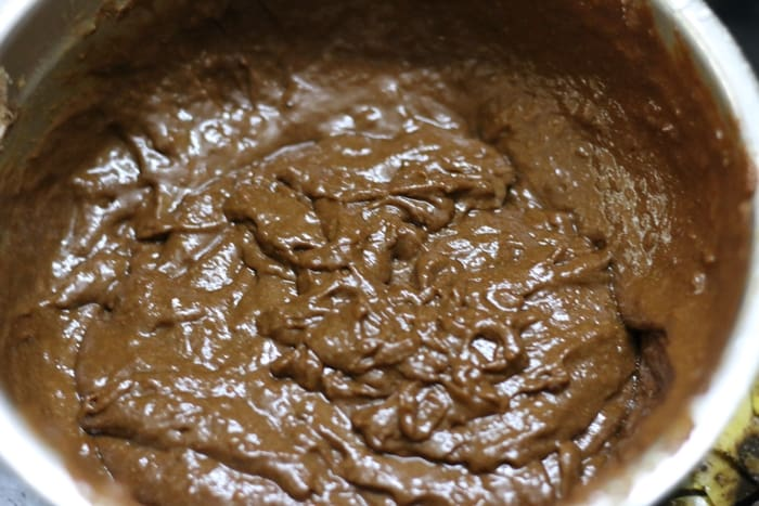vegan chocolate banana cake step 5