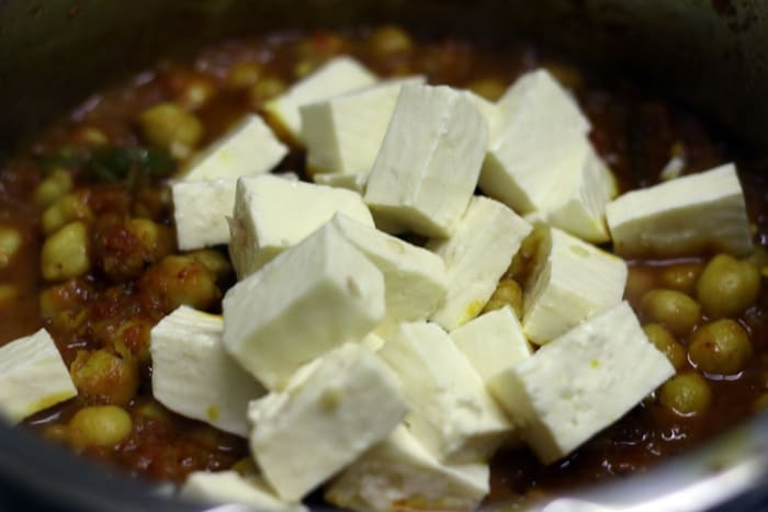 paneer chole recipe step5