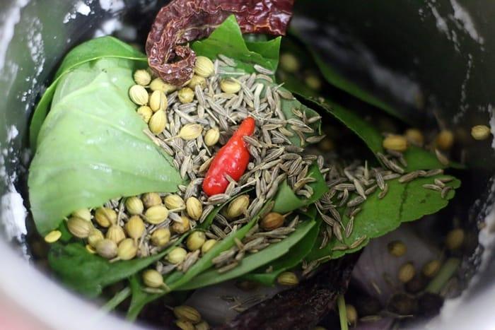 thai red curry step 1