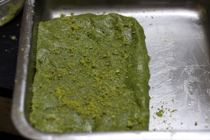 pista badam burfi recipe step 3