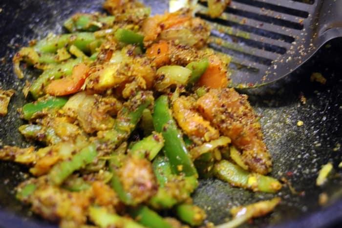 making veg kolhapuri recipe, vegetable kolhapuri recipe