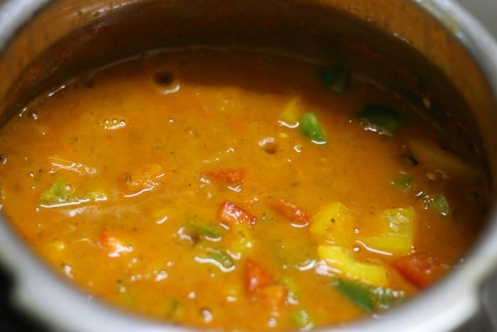 capsicum gravy recipe step 4