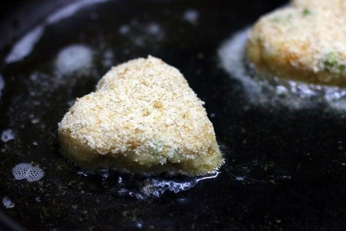 Shallow frying the veg cutlets
