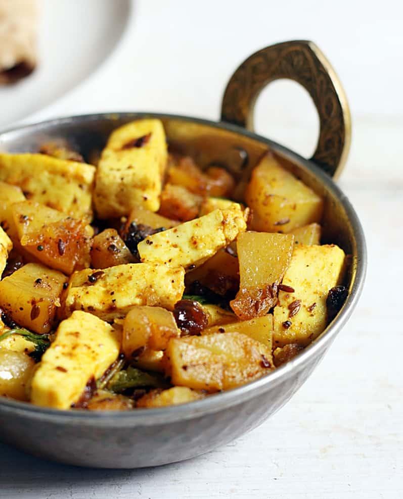 Dry aloo paneer curry