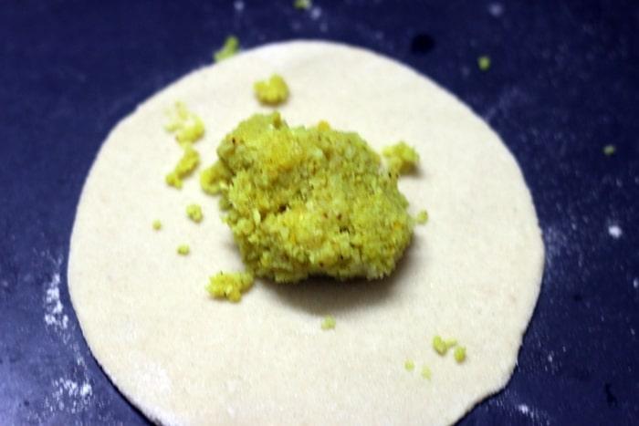 gobi paratha recipe step 6