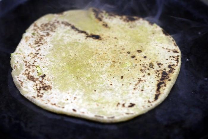 gobi paratha recipe step 7
