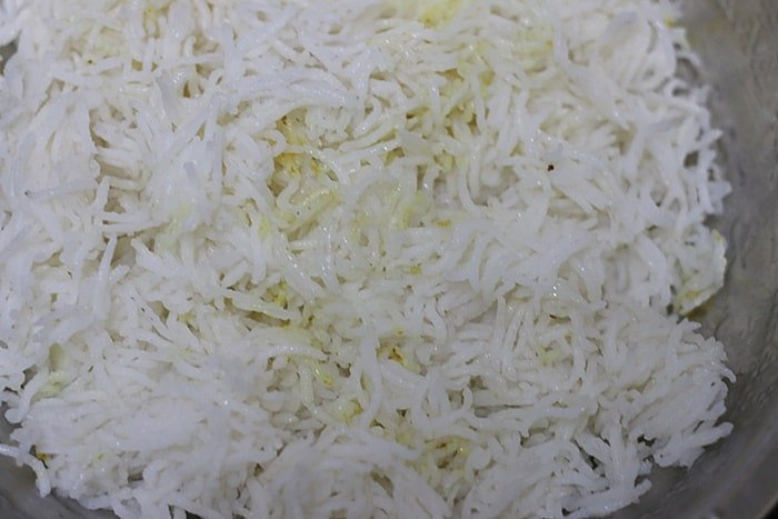 oil tossed in cooked rice