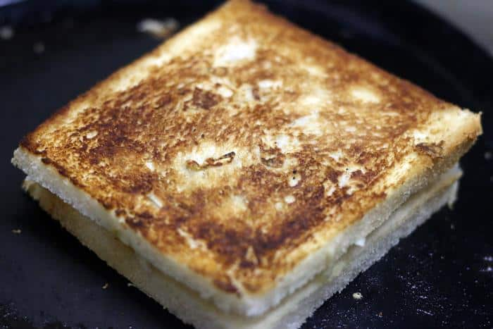 chana-masala-toast-sandwich-recipe-step-4
