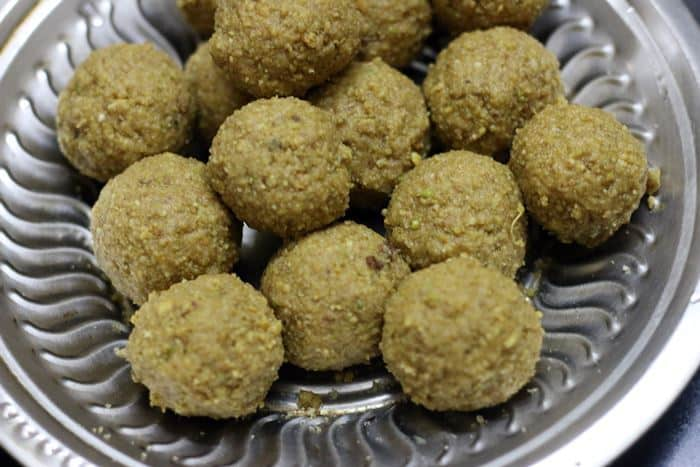 gond ke ladoo recipe step 9