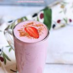 creamy and healthy strawberry smoothie recipe in 2 minutes.