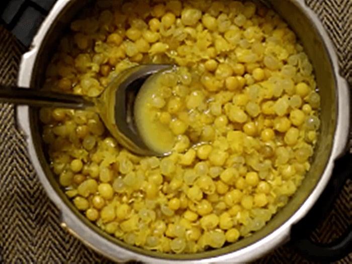 cooked white peas for masala puri recipe