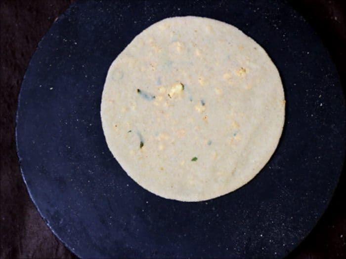 paneer paratha ready to fry