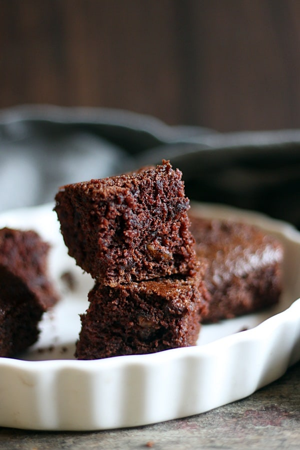 vegan chocolate cake-wacky cake