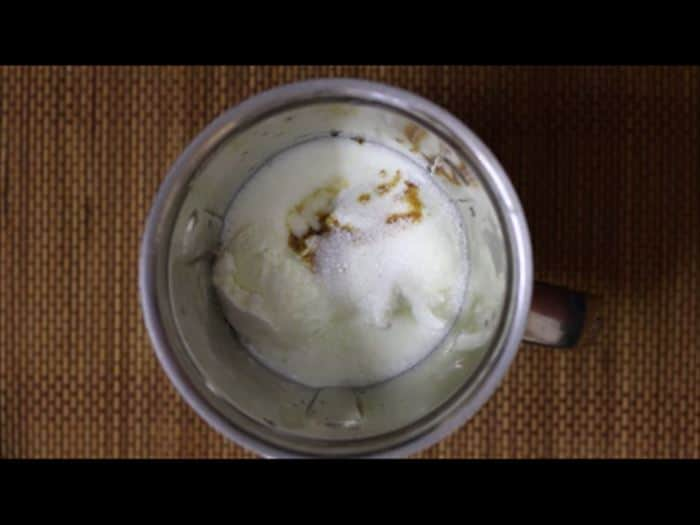 Making vanilla milkshake recipe