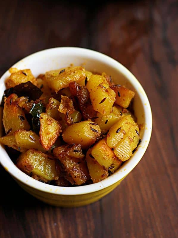 jeera aloo recipe-quick, easy vegan and gluten free Indian vegetarian curry with potatoes and cumin seeds
