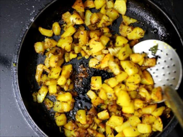 how to make jeera aloo recipe