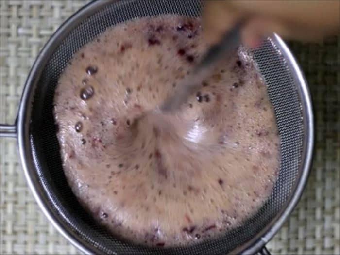 Making grape juice recipe