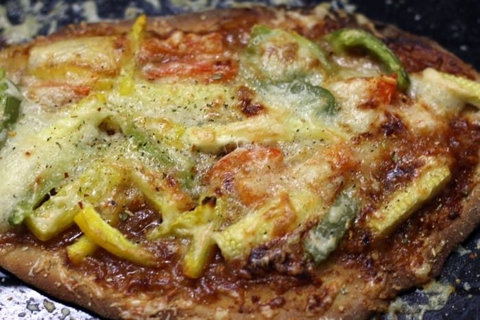 naan pizza ready