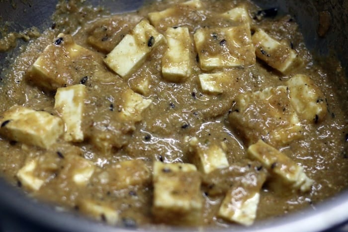 paneer cubes tossed in yogurt gravy for paneer kalimirch