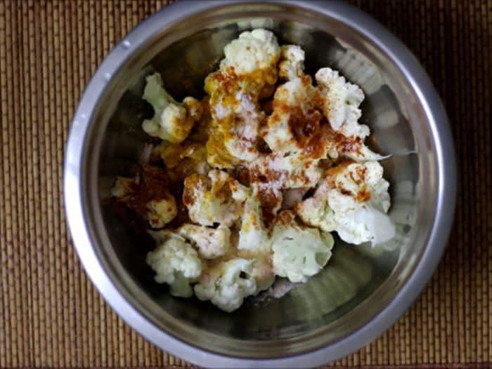 Roasted cauliflower recipe making