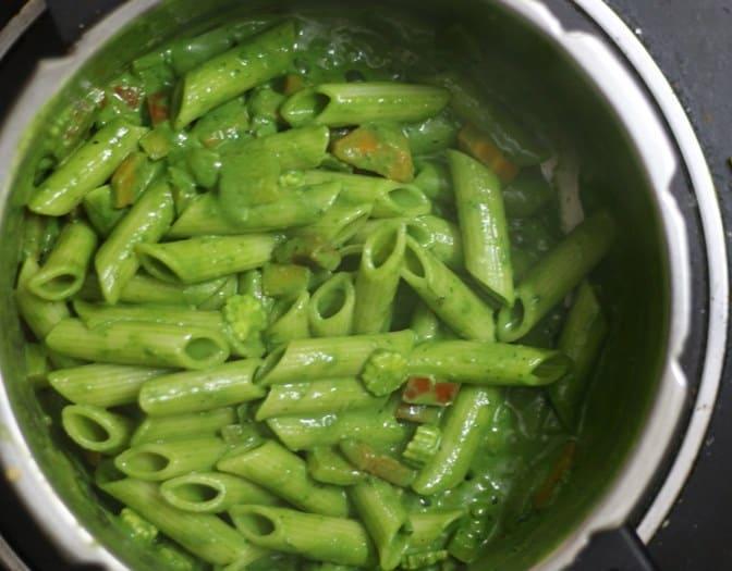 making spinach pasta recipe