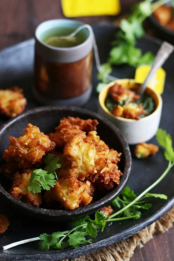 cheese pakora served with green tea for snacks